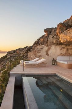 Cap Rocat - Mallorca, Spain Unique hotel room in the cliff overlooking the sunset of the day with private pool on the terrace Best Boutique Hotels, Best Hotels, Bangkok, Hotel Et Spa, Air Hotel, Hotel Lounge, Hotel Pool, Hotel Suites, Hotel Am Strand