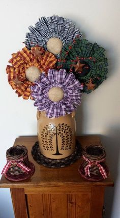 Sewing Fabric Flowers Start with a canning jar seal and ring. Cut strips of material 1 x 5 Cut a… Cloth Flowers, Burlap Flowers, Diy Flowers, Fabric Flowers, Crocheted Flowers, Cute Crafts, Crafts To Make, Diy Crafts, Craft Projects