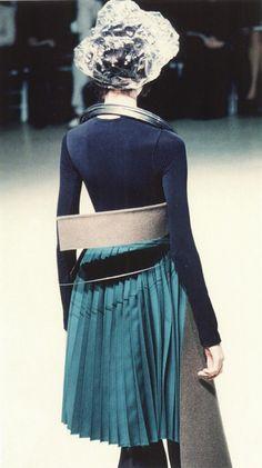 "evennerdierthanthou: "" cotonblanc: "" fall–winter 1998–1999, junya watanabe future beauty: 30 years of japanese fashion "" Just the shapes happening here. """