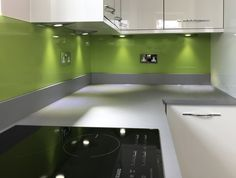 The latest technology produces high quality kitchen glass splashbacks Grey Gloss Kitchen, Coloured Glass Splashbacks, Lime Green Kitchen, Contemporary Kitchen Cabinets, Pooja Room Door Design, Refacing Kitchen Cabinets, Quality Kitchens, Glass Kitchen, Kitchen Colors
