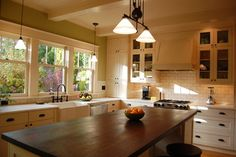 Craftsman Style Kitchens Design Ideas, Pictures, Remodel, and Decor - page 12