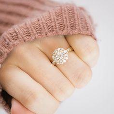 pretty flower shaped diamond wedding ring