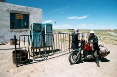 Influence - Gas Station in the middle of the Gobi Desert in Mongolia (Steve Fowler, 2001)
