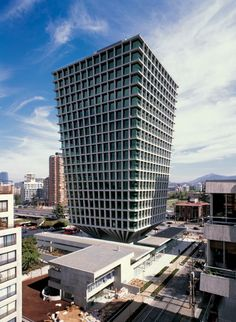 Edificio Cruz del Sur   Las Condes, Santiago, Chile   Izquierdo Lehmann Arquitectos