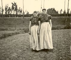 Zeeland (the westernmost province of the Netherlands)  - Traditional clothing - may 1940