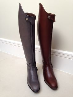 Shown in grey and chestnut brown.