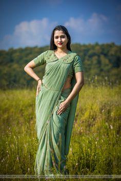 Crepe Silk Sarees, Silk Crepe, Silk Saree Blouse Designs, Blouse Patterns, Kids Gown, Plain Saree, Indian Blouse, Blouse Models, Indian Jewellery Design