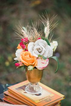 Roses, Wheat and Paper Flowers|A Rustic Country Romance|Photographer: Raelene Schulmeister Photography