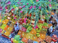 Mercado dos Lavradores no Funchall, Ilha da Madeira --Portugal