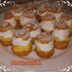 Érdekel a receptje? Kattints a képre! Hungarian Cake, Hungarian Recipes, Hungarian Food, Sweet Cookies, Four, Minion, Muffin, Goodies, Cooking Recipes