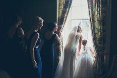 Sarah & Courtney - niebieski ślub DIY - w obiektywie Moments Alive z Dublina - SWEET WEDDING - BLOG ŚLUBNY DLA NAJFAJNIEJSZYCH PANIEN MŁODYCHSWEET WEDDING – BLOG ŚLUBNY DLA NAJFAJNIEJSZYCH PANIEN MŁODYCH Brides, Wedding Inspiration, In This Moment, Concert, Blog, Diy, Bricolage, Wedding Bride, Concerts