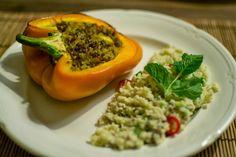 Tropisch gevulde paprika's met mango, rozijnen, gehakt en couscous!