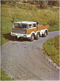 Busse, Central Europe, Cool Trucks, Old Cars, Czech Republic, Motor Car, All Over The World, Cars And Motorcycles, Techno