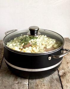 Ertesuppe med svineknoke - Mat På Bordet Eat, Drink, Kitchen, Beverage, Cooking, Kitchens, Cuisine, Cucina, Drinking
