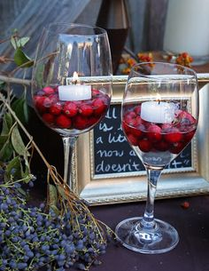Wine glasses with cranberries and floating candles.great idea for the buffet - Serveware - Ideas of Serveware - Wine glasses with cranberries and floating candles.great idea for the buffet table mixed in with elegant serveware. Simple Wedding Decorations, Fruit Decorations, Simple Weddings, Wine Party Decorations, Wedding Ideas, Wine Tasting Events, Wine Tasting Party, Wine Themed Parties, Mad Men Party