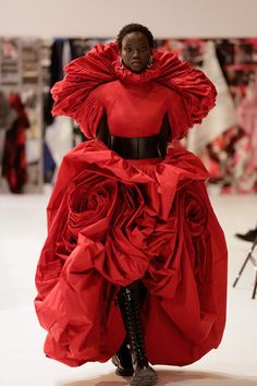 """""""I Really Feel Quite Lucky""""—Sarah Burton Reflects on Her Magical Career at Alexander McQueen - Vogue Fashion Designer, Fashion Art, Runway Fashion, High Fashion, Fashion Show, Sarah Burton, Taffeta Dress, Silk Taffeta, Alexander Mcqueen"""