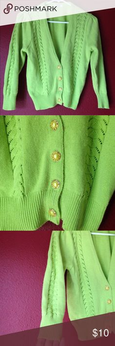 Vintage cardigan Size M. Sits high on the sleeves almost 3/4 sleeve. Sits high on waist but not exactly a cropped cardigan. Second photo shows true color. I think it's super awesome like a Halloween green 👻 *smoke free home*all clothes washed before being sent* **LOWEST PRICE $7 vintage Sweaters Cardigans