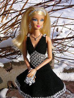 hanneton barbie crochet outfits 46.3.14 qw