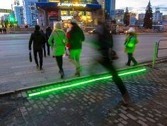 А У НАС ДАВНЫМ ДАВНО Тут по интернету прокатилась волна публикаций, типа в Нидерландах создан светофор для пешеходов, «уткнувшихся» в смартфон (например: http://www.techcult.ru/mobile/4001-lightline). Такой переход, но только красивее, давно работает в Челябинске, на Алом Поле. Горе-журналисты, прекратите поклоняться Западу!  . #россия #фото #урал #южныйурал #chelyabinsk #russia #челябинск #chel #Че #суровыйЧелябинск #ural #photo #переход #зелёный #зеленый #смартфон