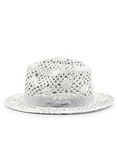 Imprescindibles de tu maleta. Sombreros Blancos ... 51e09588e33c