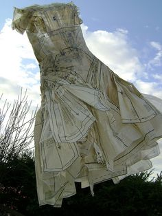 webcam - The World`s Most Visited Video Chat Paper Clothes, Clothes Crafts, Paper Fashion, Fashion Art, Old Dresses, Paper Dresses, Paper Dress Art, Old Baby Clothes, Paper Mache Sculpture