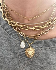 Notes from a San-Francisco based necklace collector – In Detail Notes from a San Francisco based Collier Collector – In Detail Cute Jewelry, Jewelry Box, Jewelry Accessories, Fashion Accessories, Jewelry Necklaces, Fashion Jewelry, Women Jewelry, Layering Necklaces, Jewelry Ideas