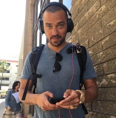 Ever wonder what song was playing in your favorite scenes in Grey's Anatomy? Here are 27 songs that hit Grey's Anatomy fans hearts! Jesse Williams, Grey's Anatomy Doctors, Hot Doctor, Jackson Avery, Sarah Drew, Fine Men, Series Movies, Shades Of Grey, 50 Shades