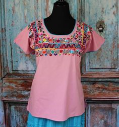 Pink San Antonio Wedding Huipil, Oaxaca Mexico, Hippie, Cowgirl, Santa Fe Style #Handmade #blouse Ethnic Clothes, Ethnic Outfits, Mexican Top, Mexican Textiles, Santa Fe Style, San Antonio, Floral Tops, High Low, Clothing