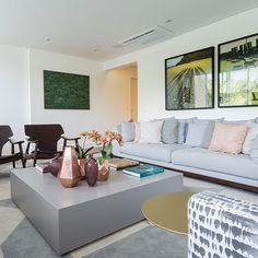 Living de apartamento no Morumbi! Projeto JB! #jbarquitetura #projeto #julyanabortolotto #arquitetura #interiores #decor #instadecor #design #homedesign #architecturelovers #living #apartamento #madeira #cinza #gray #wood #design
