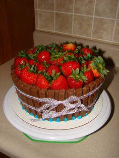 Strawberry Kit Kat Barrel Cake