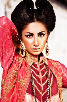 A A I N A - Bridal Beauty and Style #classic bollywood #vintage indian inspiration
