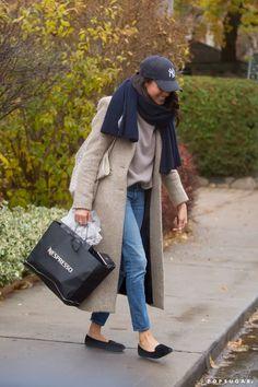 | Meghan Markle Gets Back to Work Following Her Whirlwind London Trip | POPSUGAR Celebrity Photo 2