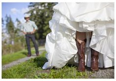 Love every photo and everything about this wedding! <3  [AND the photographer has my last name ;]