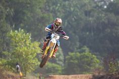 💬 People vehicle sport motion - get this free picture at Avopix.com    ✅ https://avopix.com/photo/40617-people-vehicle-sport-motion    #bicycle #mountain bike #wheeled vehicle #vehicle #sport #avopix #free #photos #public #domain