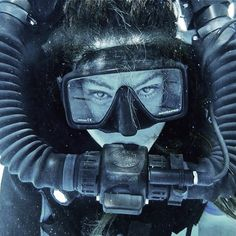 自動代替テキストはありません。 Women's Diving, Diving Suit, Scuba Diving Gear, Diving Lessons, Scuba Certification, Underwater Model, Scuba Wetsuit, Technical Diving, Scuba Girl