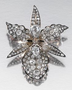 DIAMOND BROOCH, CIRCA 1880.