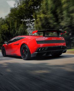Just a Lamborghini Gallardo and the open road! What more do you want? Check it out… http://www.ebay.com/itm/Lamborghini-Gallardo-HD-Poster-Super-Car-Print-multiple-sizes-available-/221370684271?pt=Apparel_Merchandise&var=&hash=item338ab8936f&vxp=mtr?roken2=ta.p3hwzkq71.bdream-cars #SupercarSunday