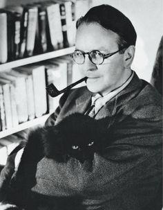 Postcards from Penguin Modern Classics - Raymond Chandler, photograph: Beltmann/ Corbis