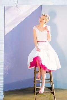 noni noni Brautkleider 2017 | rockabilly Brautkleid mit Petticoat und Pink (www.noni-mode.de - Foto: Le Hai Linh)