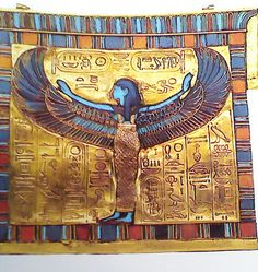 Very massive wide necklace or collar. Egyptian Woman of the Middle Kingdom ( could be worn Old Kingdom through New Kingdom) . Looks lile it has some beadwork on it. Egypt Jewelry, Diy Jewelry Inspiration, Eye Of Horus, Yoga Meditation, Ancient Egypt, Pottery, History, Chakras, Middle East