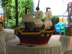 piñata de barco pirata