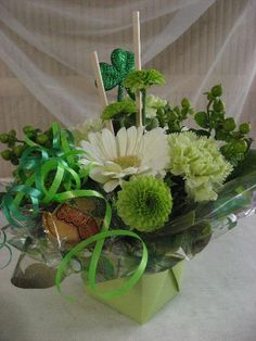 st. patricks day floral arrangements | Mother's Day Valentine's Day St. Patrick's Day Easter Secretary's Day ...