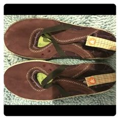 Cushe flats Size 10, burgundy color, super cushy footbed and worn just a couple times. Very cute! Cushe Shoes Flats & Loafers