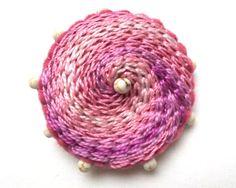 Hand embroidered felt brooch / wool felt brooch / felt jewelry / pink / pin