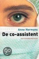 De co-assistent Anne Hermans