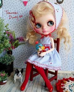 オビツボディはスタイル抜群🎵あぁ、マジで痩せたい。😂 #ブライス#カスタムブライス #blythe #customblythe#doll #ちび子 #chibikodoll #minidoll #minitaturedoll #handmadedolls #dog#frenchbulldog Ooak Dolls, Blythe Dolls, Little Doll, Hello Dolly, Cute Dolls, Doll Face, Big Eyes, Poodle, Doll Clothes