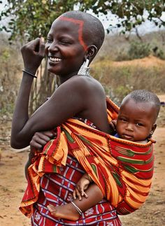 Masai mother and child by FineFien on DeviantArt African Babies, African Children, African Women, We Are The World, People Of The World, African Culture, African History, Costume Famille, Afrique Art