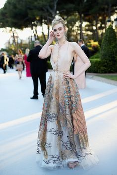 The Best Red Carpet Looks from the amfAR Gala Elle Fanning Cannes Film fedtival 2016 Elle Fanning, Dakota Fanning, Style Couture, Couture Fashion, Fashion Beauty, Celebrity Dresses, Celebrity Style, Celebrity Photos, Red Carpet Gowns