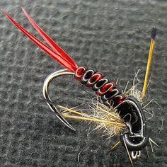 #flugbindning #macro #fluefiske #troutbum #flytyingnation #flytyingaddict #troutfishing #flyfishing #flyfishingjunkie #trout #fireholeoutdoors #barbless #new zealand #nature #adventure #flyfiske #fluefiske #flytyingbench #flytyer #flugfiske #tungsten #biots #deercreekresin #whitingfarms #harelinedubbin #