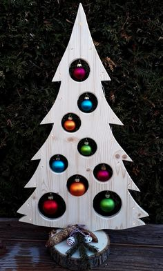 Your place to buy and sell all things handmade Weihnachtsbaum Holzdeko LED Advent Weihnachtsdeko Baum Wooden Christmas Crafts, Wooden Christmas Tree Decorations, Pallet Christmas Tree, Xmas Crafts, Outdoor Christmas, Christmas Projects, Christmas Art, Christmas Wreaths, Theme Noel